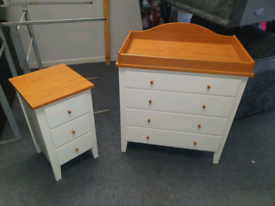 White and Oakwood chest of drawers and matching locker £125 the set