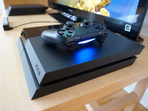 Playstation 4 (PS4) with controller and all cables