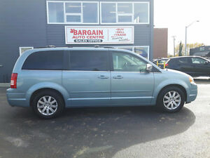 2008 Chrysler Town & Country WE FINANCE ANYONE GET CASHBACK!