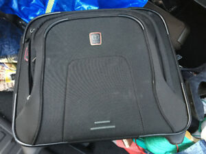 Spinner laptop computer bag - great condition