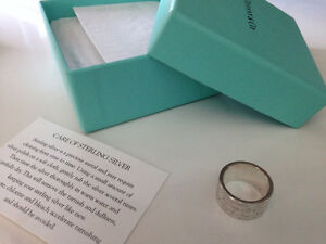 Authentic Tiffany Notes collection sterling silver ring size 4
