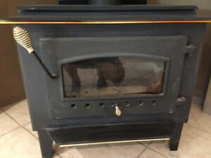 Wood stove Warnock Hersey practically New