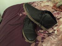 Men's back boots