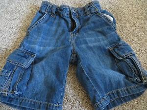 5 pairs of boys size 5 shorts EUC Kitchener / Waterloo Kitchener Area image 1