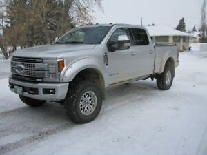 """2018 Ford F-350 Superduty  Platinum 4X4 """"0.9% FINANCING AVAILABE"""