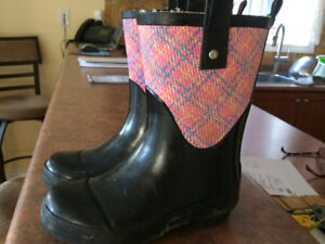 GIRLS Fire Fly lined rain boot