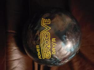 Brunswick power groove 10lbs drilled bowling ball