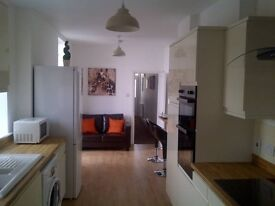 LARGE DOUBLE ENSUITE ROOMS-ALL BILLS INCLUDED