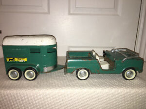 Nylint Bronco and Thoroughbred Farms Trailer