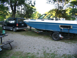 Bowrider boat For Sale 24'