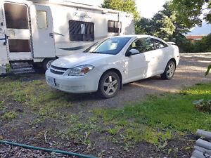 2009 Chevrolet Cobalt white Coupe (2 door)
