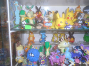 POKEMON FIGURES TOYS BOOKS KEYCHAINS MOVIE PLAYSET ETC