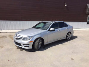 2012 Mercedes-Benz C300 4Matic, Clean carproof 1 yr warranty.