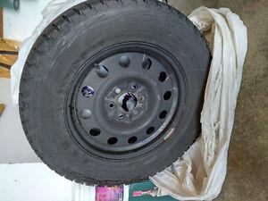Set of 4 winter tires 285 60r18