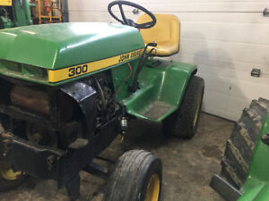 WANTED: Need side panels For JohnDeere 300