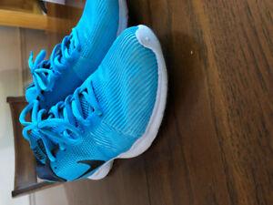 Size 7 Nike ladies sneakers