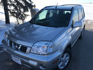 2005 Nissan Xtrail LE loaded Heated Leather Low Kms
