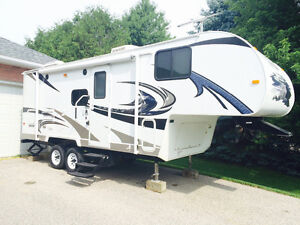 2011 Nomad 5th wheel sleeps 4-6  mint condition!