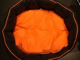 For sale new waterproof dog bed medium/large