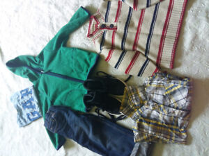 Bag of boy's clothes in Excellent condition Sz 4 all for $6