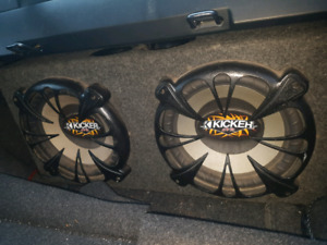 "2 12"" Kicker CVRs in ported box"