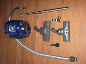Aspirateur Electrolux (Comme neuf )