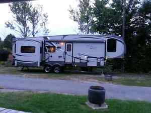 Roulotte Fifth Wheel DELUXE Wildcat Sterling 2012 32RL