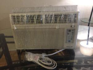 Hampton Bay Air Conditioner 8000BTU