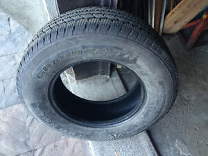 1 PNEU / 1 ALL SEASON TIRE  LT 245/70/17 GENERAL GRABBER