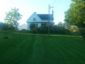 Farmhouse near Wolfville on 3.92 acres/ view of Cape Blomidon