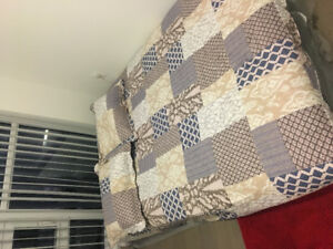 1 new queen size mattress in very good condition