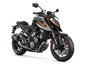 2017 Ktm 1290 SUPER DUKE R 1 BLACK / 45$/sem