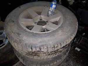 2004 vitara or xl7 rims and tires