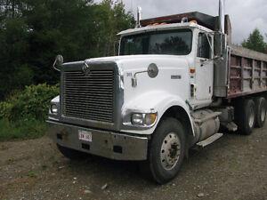 9900 International Dump Truck