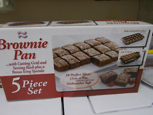 BROWNIE PAN WITH CUTTING GRID