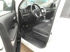 2014 Toyota Tundra SR5 5.7L V8 Double Cab 4WD Peterborough Peterborough Area image 10