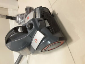 Powerful Cyclonic bagless Vacuum cleaner, Turboclean Dirt Devil