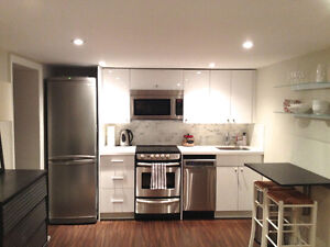 Leaside Executive 2 bedroom furnished apartment