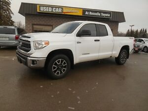 2014 Toyota Tundra SR5 5.7L V8 Double Cab 4WD Peterborough Peterborough Area image 2