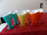 6 ice cream cups ( plastic)