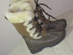 Girls Boots - BASS furry Boots - Size 1