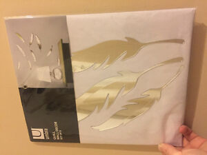 Feather wall decor umbra