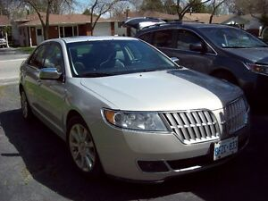 REDUCED!!!! 2010 LINCOLN MKZ