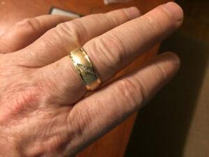 10k solid gold men's diamond ring