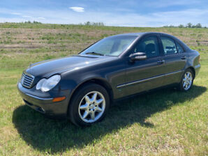 2001 Mercedes Benz c-240 only 106010 kms