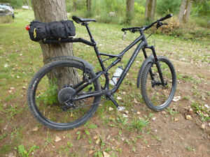 Specialized XL Stumpjumper mountain bike
