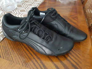Black Leather Puma shoes. Women's size 8.5 (8 1/2)