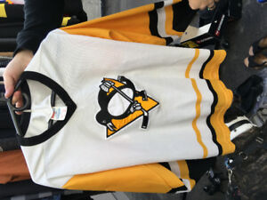 1990s Pittsburgh Penguins Jersey