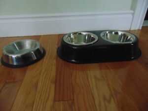 Double and single aluminum feeding bowls