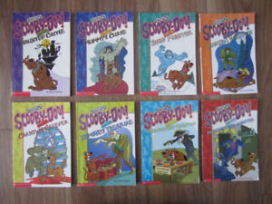 """ENGLISH """"SCOOBY-DOO"""" BOOKS - $15.00 for LOT (8 BOOKS)"""